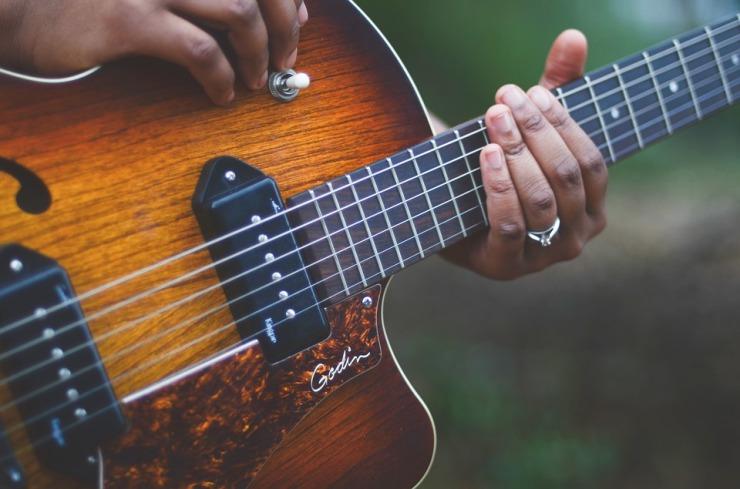 guitar-1537991_960_720